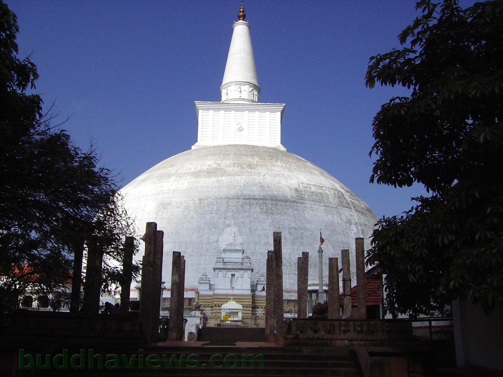 Ruwanweli Stupa Anuradhapura Sri Lanka